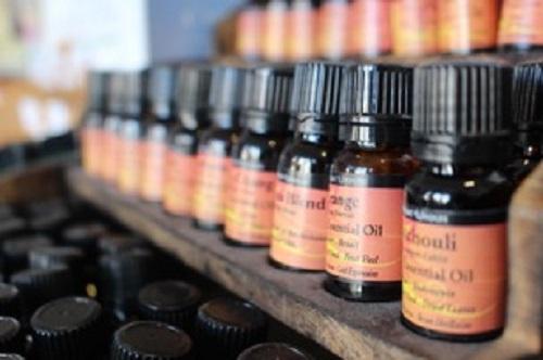 Comment choisir et utiliser son huile à barbe